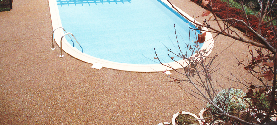 Contour de piscine en béton AQUACIMO Drainant coloré