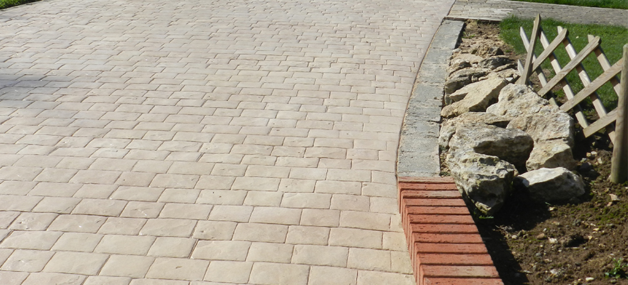 Espace de stationnement en béton ARTICIMO Imprimé
